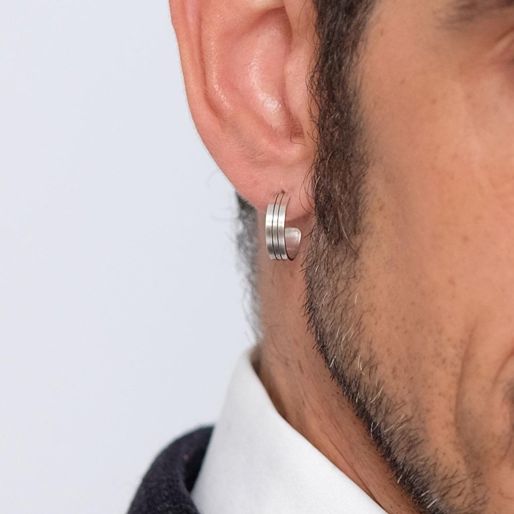 La boucle d'oreille TONIO